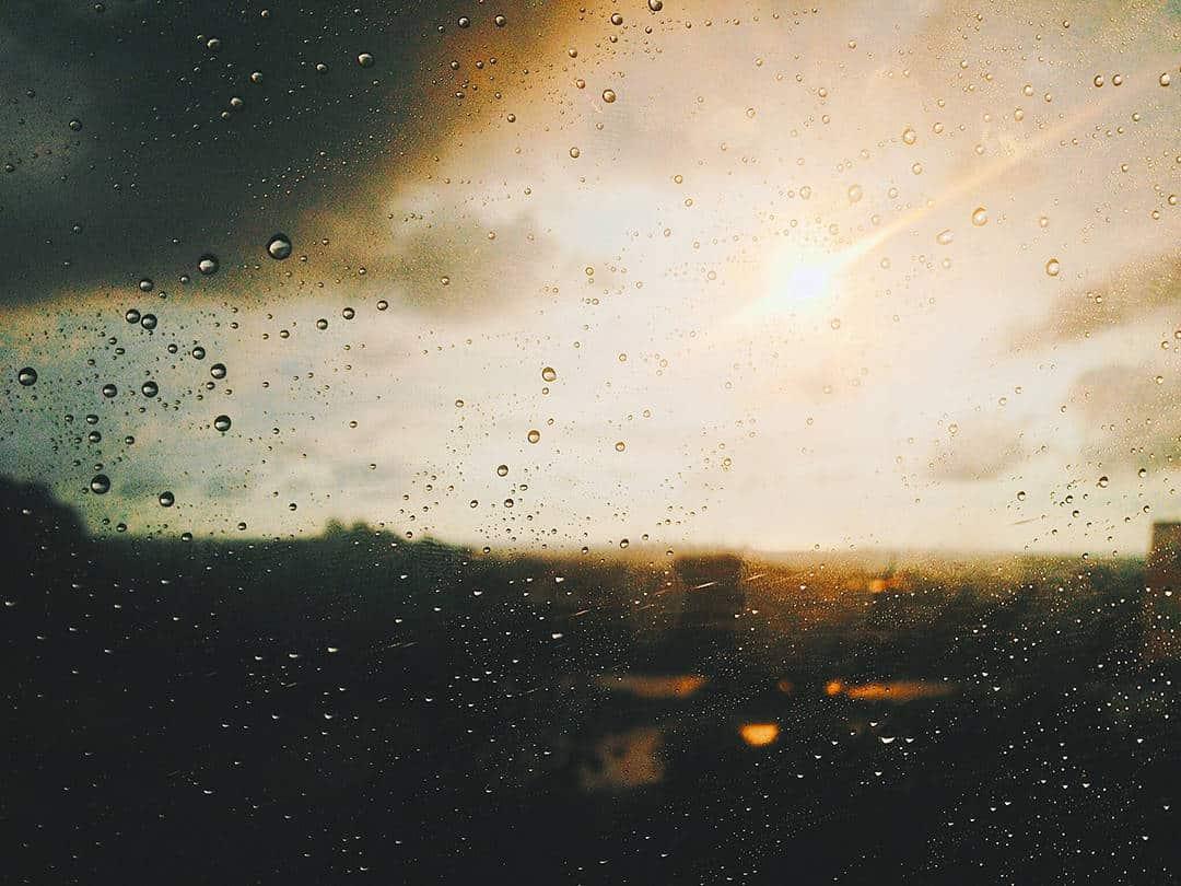 sun and rain Loren Gu Unsplash